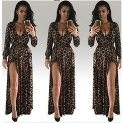 Fundae - Leopard Print V-Neck Slit Maxi Dress