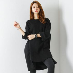 FASHION DIVA - Wide-Sleeve Furry Shift Dress