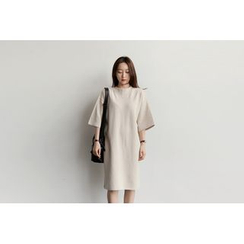 UPTOWNHOLIC - Round-Neck 3/4-Sleeve Dress