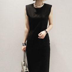 NANING9 - Sleeveless Sheath Dress