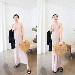 MARSHMALLOW - Maternity Sleeveless Shirred Maxi Dress