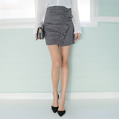 WITH IPUN - Frill-Front Houndstooth Mini Pencil Skirt