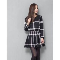 GUMZZI - Set: Check Knit Sweater + Skirt