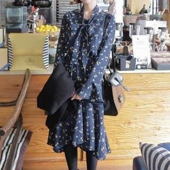 Queen Bee - Floral Print Long-Sleeve Dress