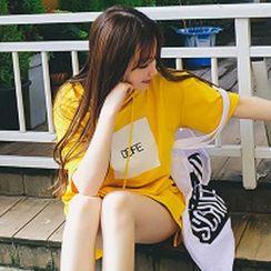 Rocho - Print Hooded Short Sleeve T-Shirt Dress