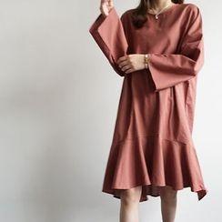 STYLEBYYAM - Ruffle-Hem Wide-Sleeve Dress