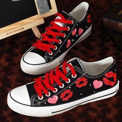 HVBAO - Painted-Lip Lace-Up Sneakers