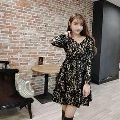 Jolly Club - Long-Sleeve V-Neck Lace Dress