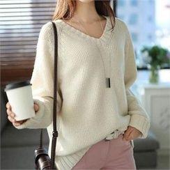 CHICFOX - V-Neck Wool Blend Sweater