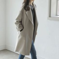JUSTONE - Wide-Lapel Snap-Button Coat