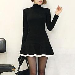 DABAGIRL - ContrastTrim Turtleneck Skater Dress
