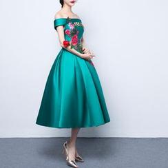 名贵风格 - 花形刺绣露肩晚装裙