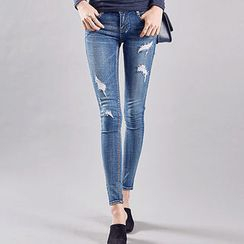 chuu - Distressed Washed Skinny Jeans