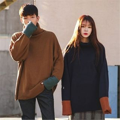 Superstar.i - Couple Turtle-Neck Contrast-Trim Knit Top