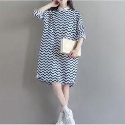 Clover Dream - Long-Sleeve Wavy Striped Shirt Dress