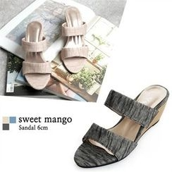 SWEET MANGO - Wedge-Heel Mules