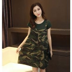 VIZZI - Set: Plain Short Sleeve T-Shirt + Camo Pinafore Dress