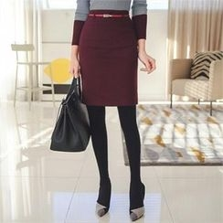 ode' - Brushed Fleece Lined Pencil Skirt with Belt