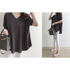 DAILY LOOK - V-Neck Textured Knit Top
