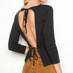 Obel - Open Back 3/4 Sleeve Sweater