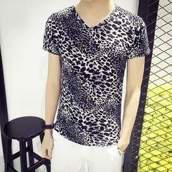 JEUX - Leopard Print V-neck Short-Sleeve T-shirt
