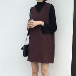 kumayes - V-Neck Pinafore Dress