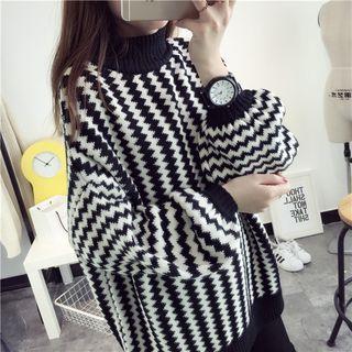 Quelite - Striped Sweater