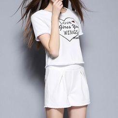 妮佳 - 套装: 短袖刺绣T恤 + 短裤