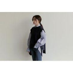 UPTOWNHOLIC - Sleeveless Tie-Side Knit Top