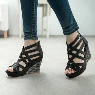 FM Shoes - Strappy Wedge Sandals