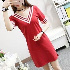 Cottony - Elbow-Sleeve V-neck T-Shirt Dress