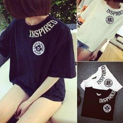 QZ Lady - Elbow-Sleeve Loose Fit Lettering T-Shirt