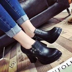 楊董 - 高跟尖頭輕便鞋