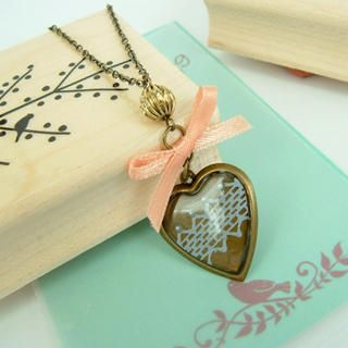 MyLittleThing - Vintage Lace Heart Ribbon Necklace