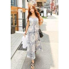 REDOPIN - Sleeveless Smocked-Waist Patterned Long Dress