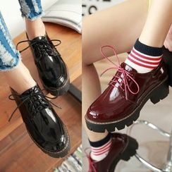 CITTA - Chunky Heel Faux Patent Leather Lace Up Shoes