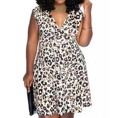 Dream a Dream - Sleeveless V-Neck Leopard A-Line Dress