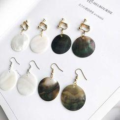 Mimishi - Geometric Shell Earrings / Clip-On Earrings