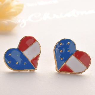Fit-to-Kill - Heart Flag Earring