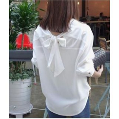 Oaksa - Self-Tie V-Neck Blouse