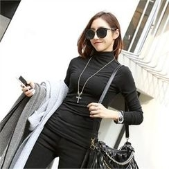 PIPPIN - Mock-Neck Slim-Fit Top