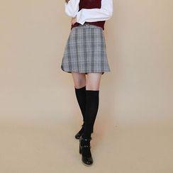 Vintage Vender - Plaid Wool Blend A-Line Mini Skirt