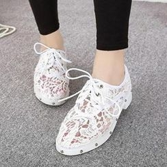 Mancienne - Lace Studded Oxford Flats