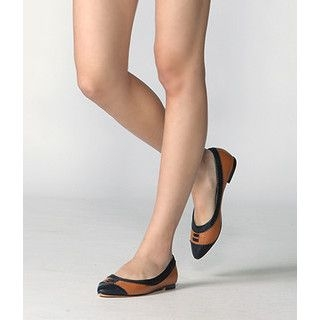 yeswalker - Two-Tone Pointy Flats