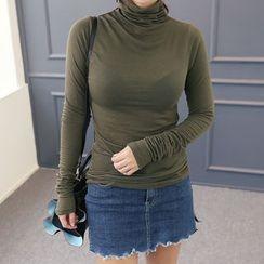 DANI LOVE - Turtle-Neck Slim-Fit Knit Top