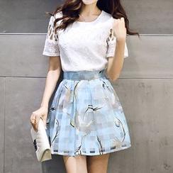 Enjoi - 套裝: 蕾絲拼接短袖上衣 + 印花短裙