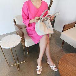 MARSHMALLOW - Maternity V-Neck Linen Dress