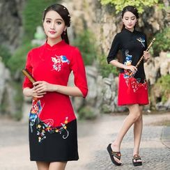 Diosa - Flower Embroidered Color Panel Cheongsam