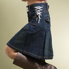 RingBear - 側邊蕾絲釦環水鑽釦大百摺蓋袋牛仔短裙
