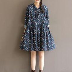 Clover Dream - Long-Sleeve Printed A-Line Dress